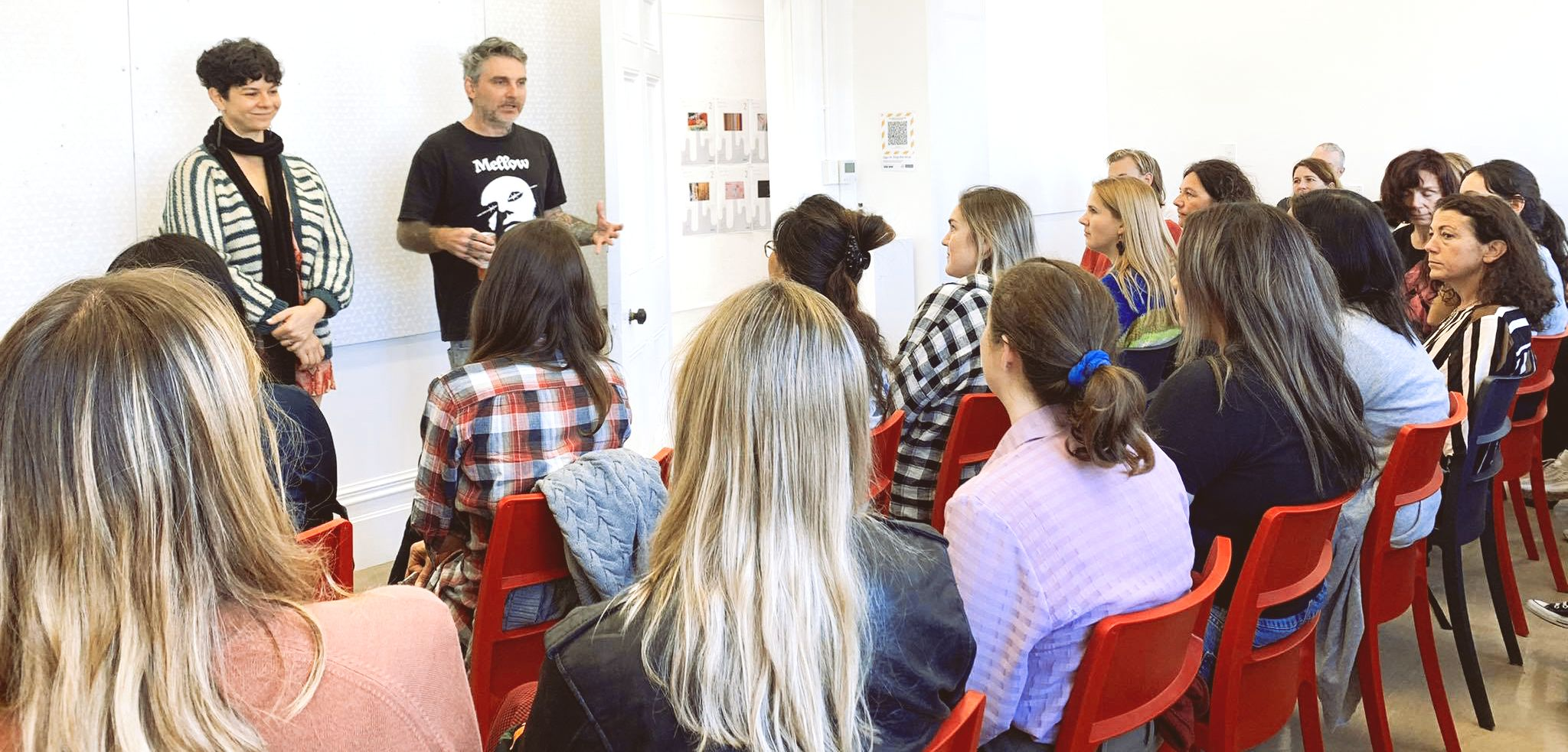 Dina Jezdic with fellow mentor Dominic Hoey addressing Toipoto cohort. Photo: Supplied.