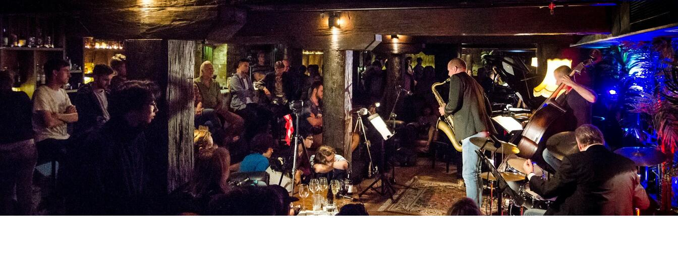 Visiting saxophonist Jamie Oehlers at Creative Jazz Club at 1885 Britomart, 2014