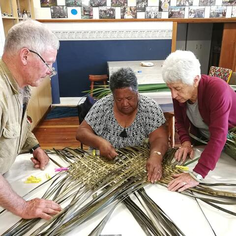 Weaving at Te Whare o Ngaruawahia Twin Rivers Arts Centre