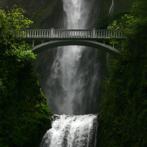 Multnomah Falls, Oregan, USA - Photo by Caroline Robinson of Cabal