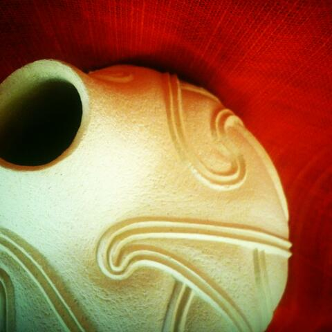 "Hera Johns ""Te Kopu"" Ipu(pot) white sculpture clay"
