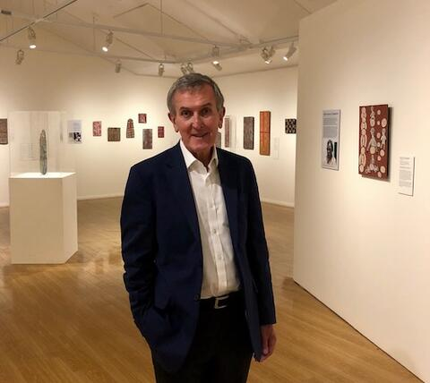 Neil MacGregor in Alice Springs; Photo Simon Elliot, QAGOMA