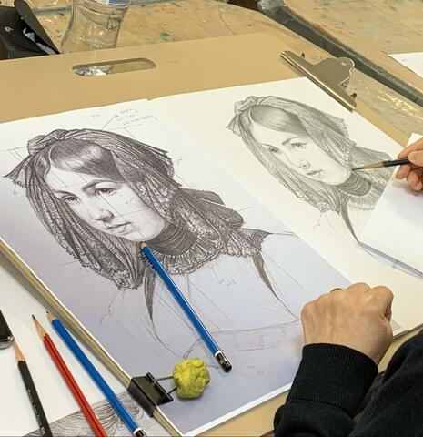 Artist hones her drawing skills at MAC