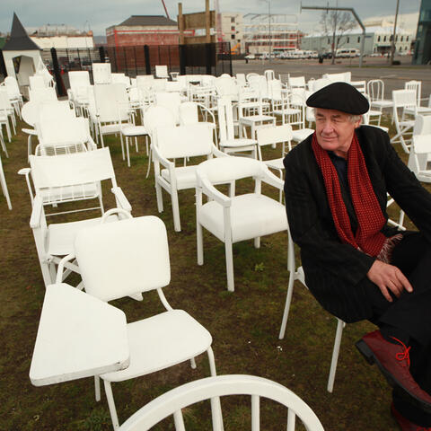 Art-of-Recovery: Pete-Majendie, Artist behind 185 Empty Chairs.