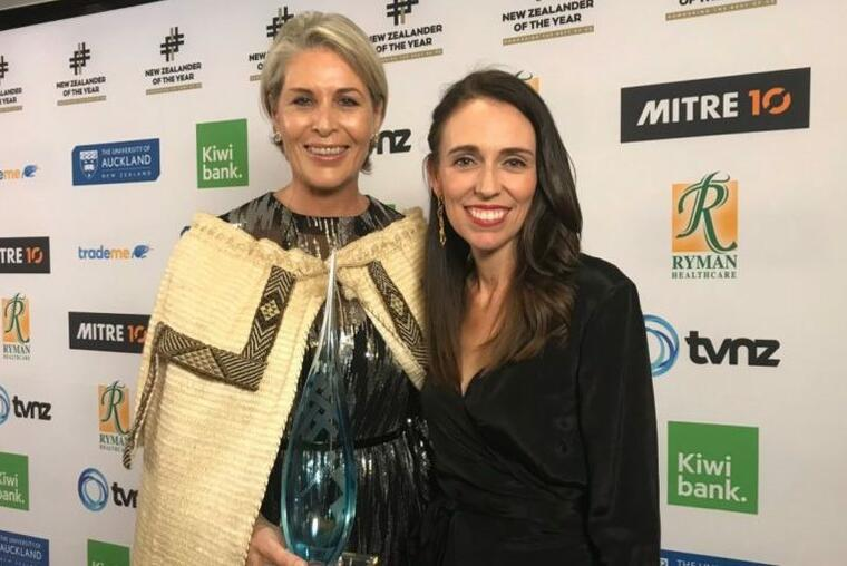 Kiwibank New Zealander of the year Jennifer Ward-Lealand and prime minister Jacinda Ardern. Photo: NZer of the Year